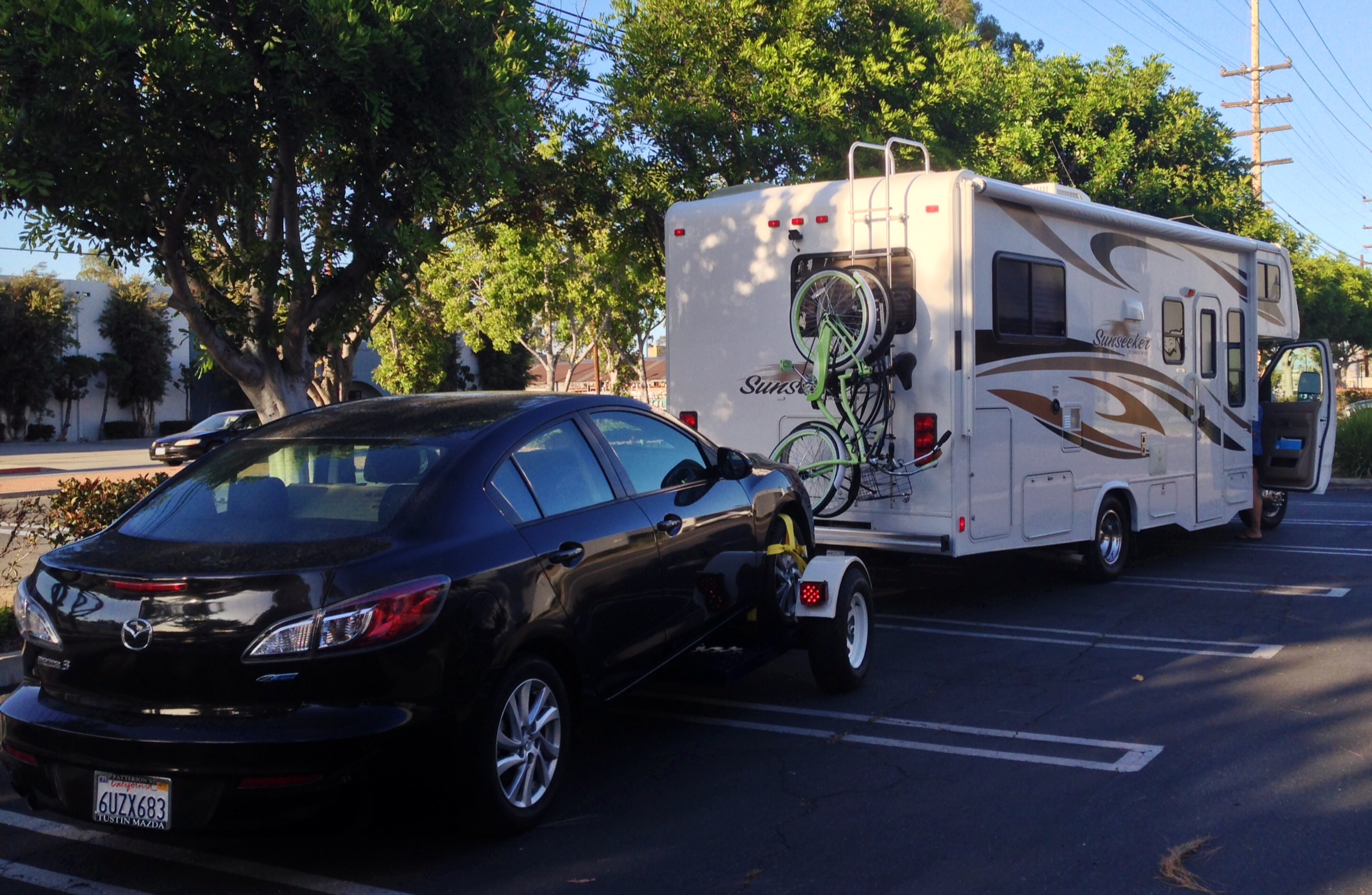 Towing a Mazda with RV