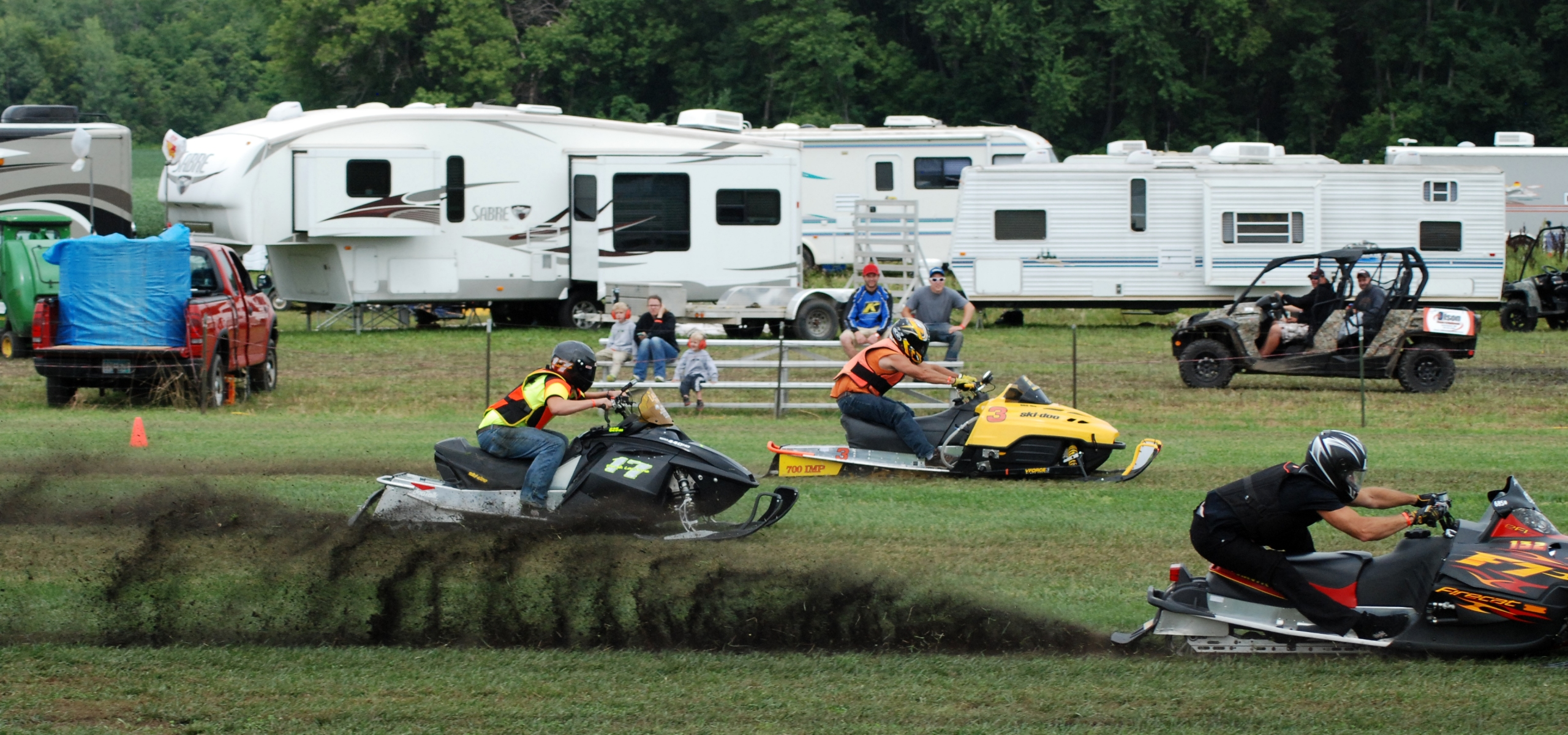 Snowmobile Grass Drags | Shore Looks Nice