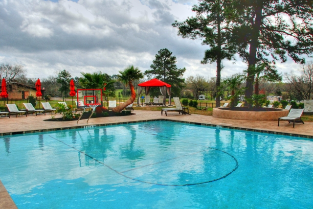 Many RV Resorts offer Heated Pools_tonemapped
